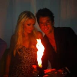 paris-hilton-mag-lini-fire
